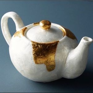 Anthropologie Teapot Stunning!